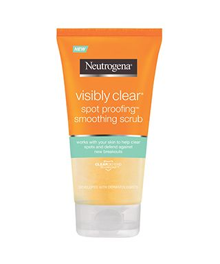 sua-rua-mat-tri-mun-neutrogena-visibly-clear-spot-proofing-smoothing-scrub